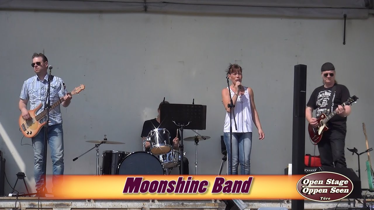 Moonshine band